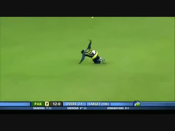 Mahela Jayawardene angered by umpire's decision, 2nd Final, CB Series, 2012